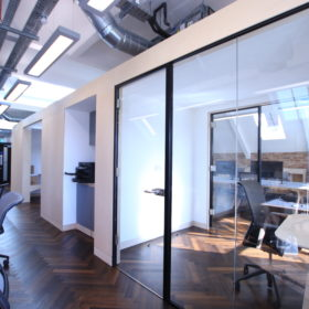 Project: Aura Power | Products: Optima 117 Plus single glazed partitions with Axile Clarity door
