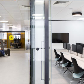 Project: Aldermore | Product: Revolution 100 with Axile Clarity door
